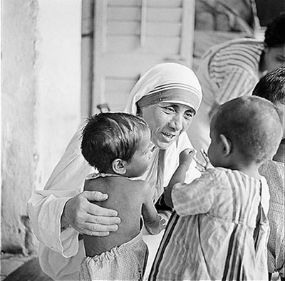 Mother Tereza and children